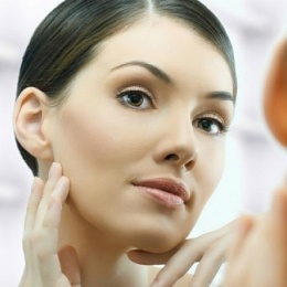 Убираем морщины возле ушей: массаж, маски, иньекции