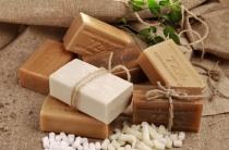 Хозяйственное мыло избавит от морщин на лице: как выбрать, использовать и применять в масках