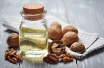 Масло грецкого ореха от морщин: простые и эффективные рецепты использования
