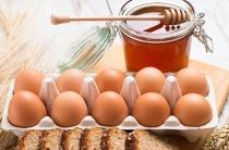 Маски с медом и яйцом помогут избавиться от морщин на лице: 10 проверенных рецептов