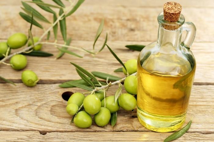 Помогает ли оливковое масло от морщин вокруг глаз